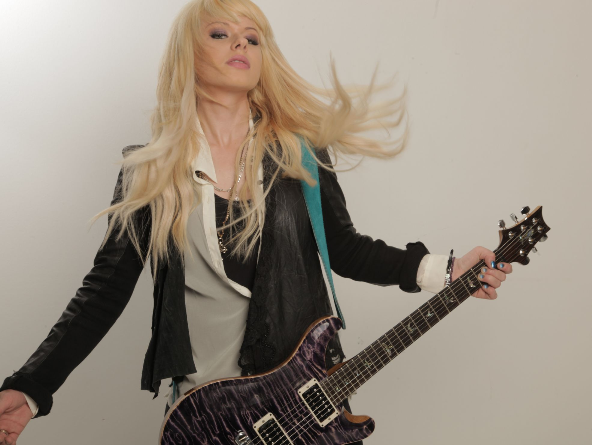 Metal Chick Of The Month Orianthi The Headbanging Moose