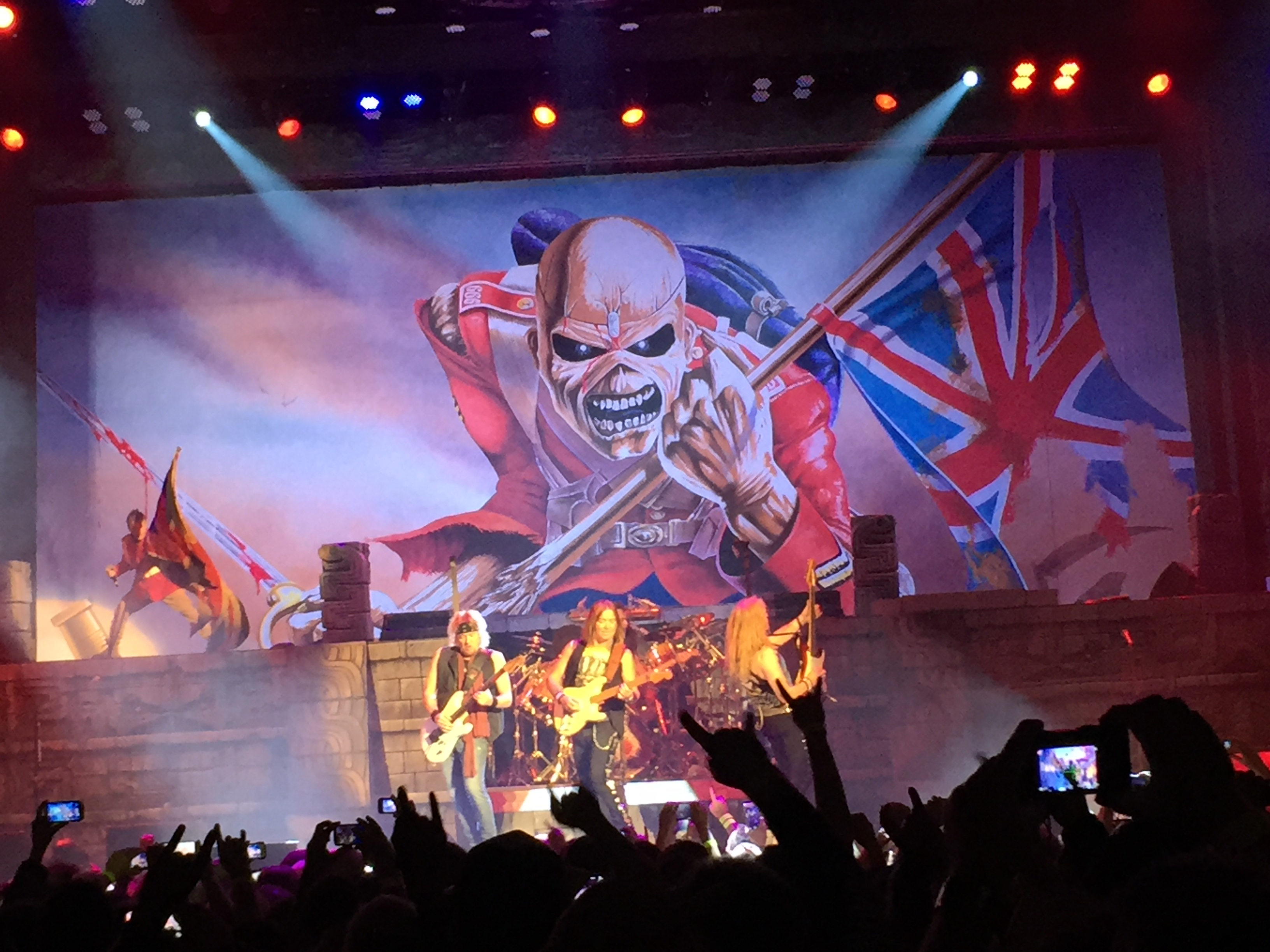 concert review iron maiden air canada centre toronto on 04 03 2016 the headbanging moose. Black Bedroom Furniture Sets. Home Design Ideas
